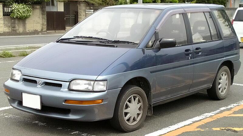 Nissan_Prairie_1988.jpg